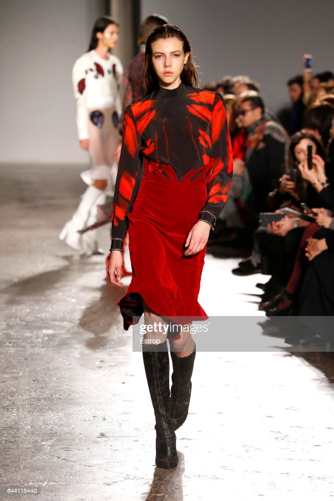 model-walks-the-runway-at-the-francesco-scognamiglio-show-during-picture-id644115440