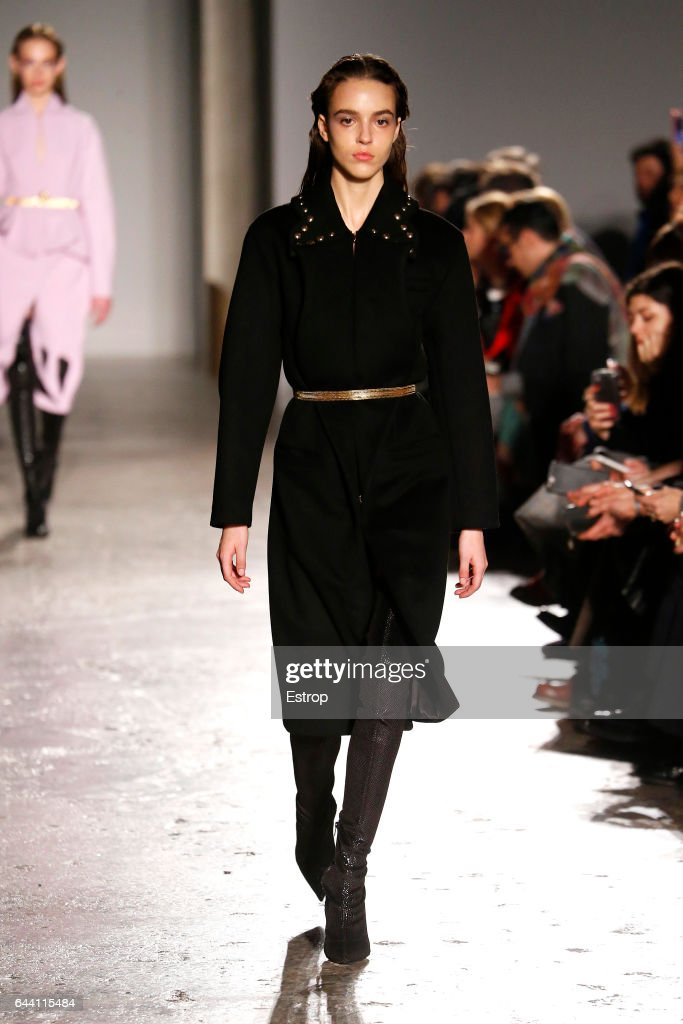 model-walks-the-runway-at-the-francesco-scognamiglio-show-during-picture-id644115484