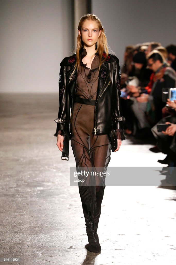 model-walks-the-runway-at-the-francesco-scognamiglio-show-during-picture-id644115504