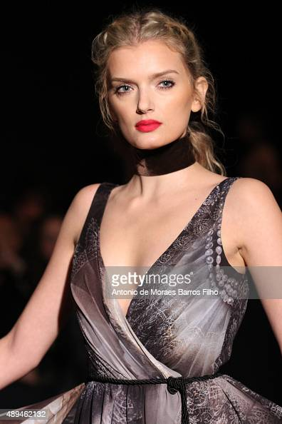 A model walks the runway at the GILES show during London Fashion Week Spring/Summer 2016/17 on September 21 2015 in London England