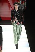 Giorgio Armani - Runway - Milan Fashion Week...