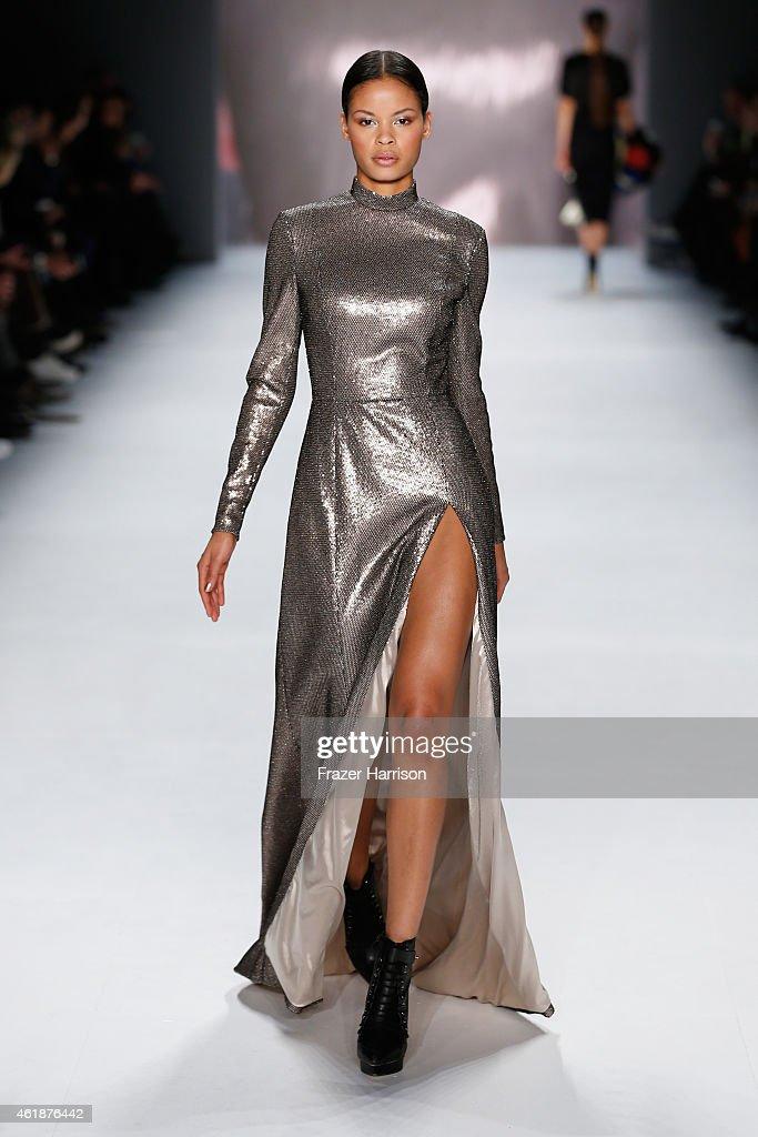 Glaw show mercedes benz fashion week berlin autumn for Mercedes benz fashion show