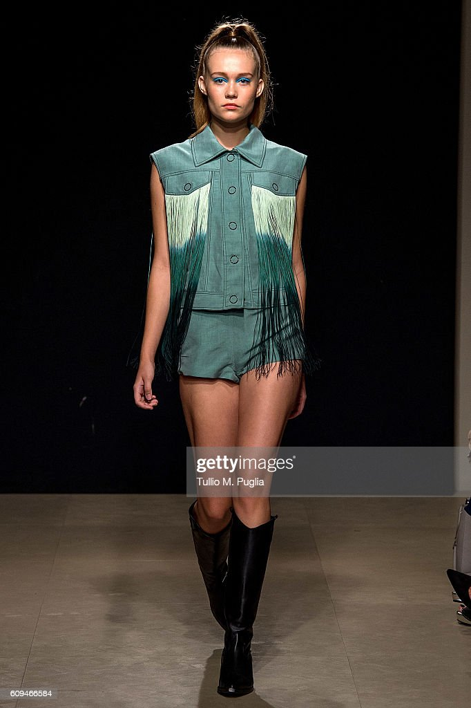 model-walks-the-runway-at-the-grinko-show-during-milan-fashion-week-picture-id609466584