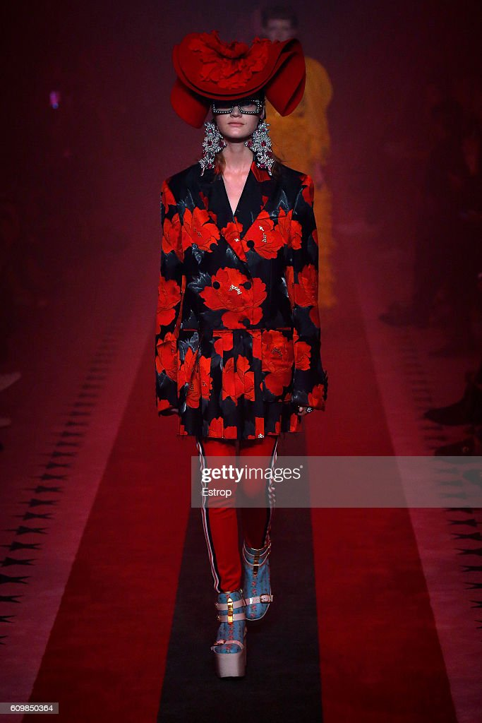 model-walks-the-runway-at-the-gucci-designed-by-alessandro-michele-picture-id609850364