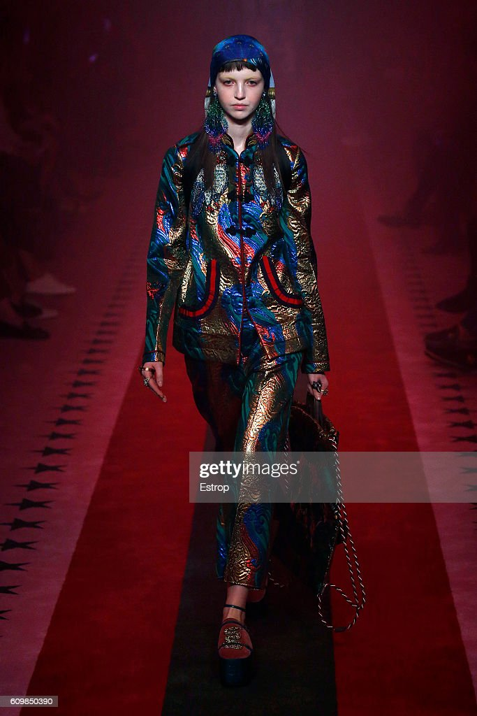 model-walks-the-runway-at-the-gucci-designed-by-alessandro-michele-picture-id609850390