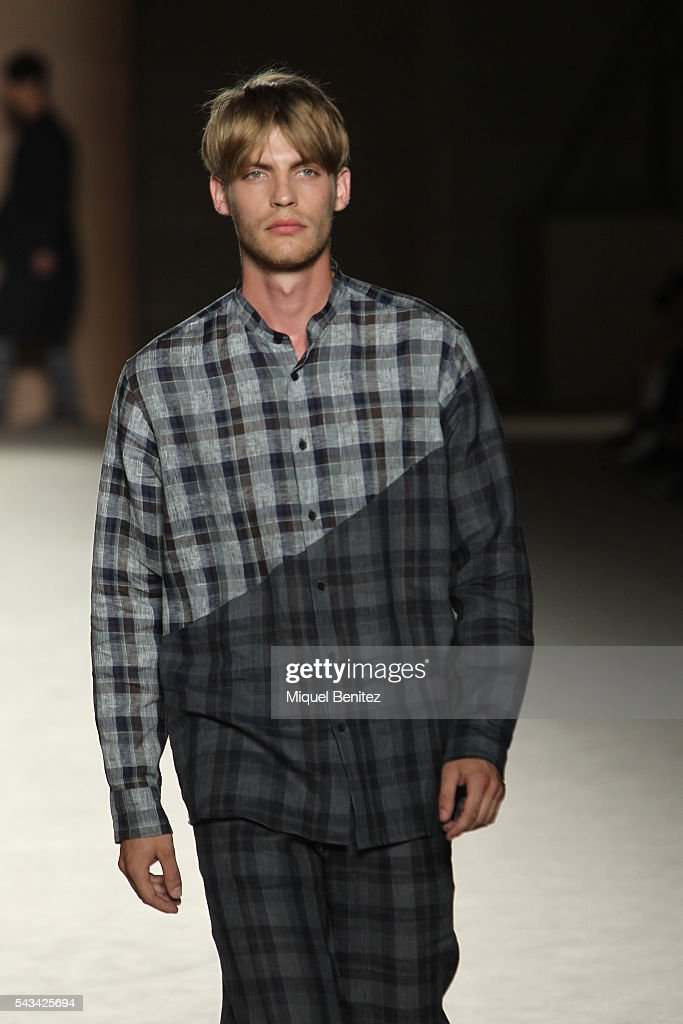 A model walks the runway at the Josep Abril show during the Barcelona 080 Fashion Week Spring/Summer 2017 at the INEFC Institut Nacional de Educacio Fsica de Catalunya on June 28, 2016 in Barcelona, Spain.