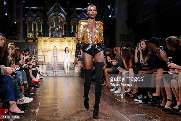 A model walks the runway at the Julien Macdonald show during London Fashion Week Autumn/Winter 2016/17 at One Mayfair on February 20 2016 in London...