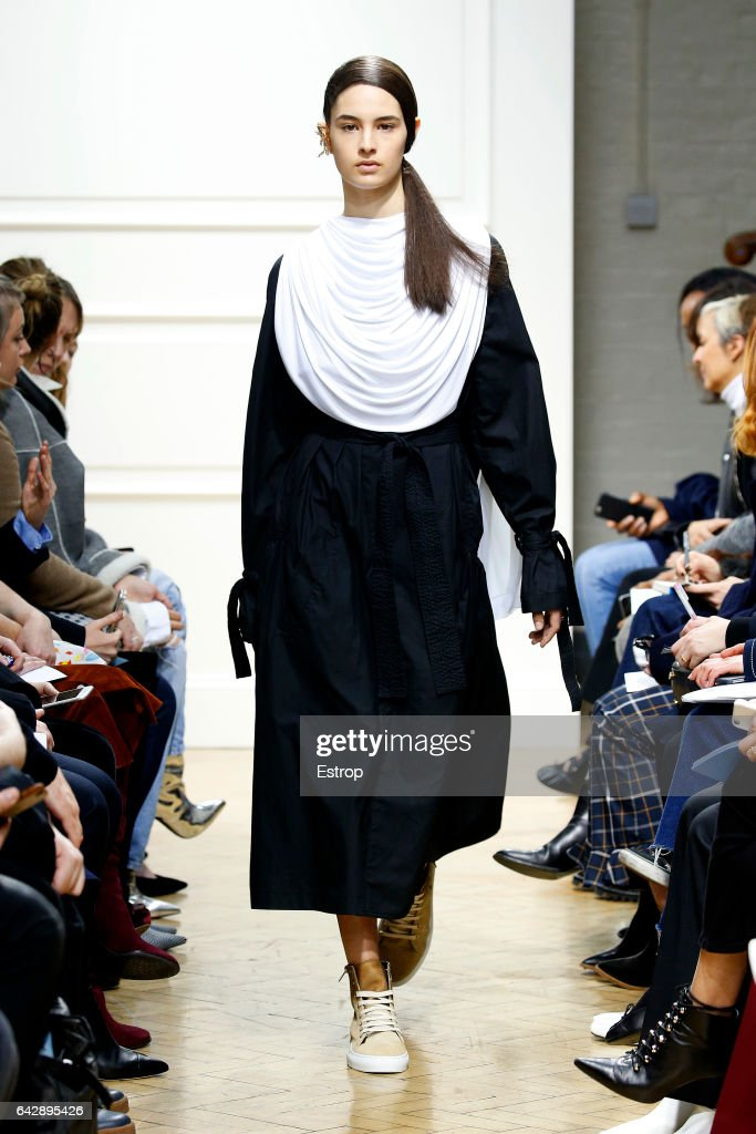 model-walks-the-runway-at-the-jwanderson-show-during-the-london-week-picture-id642895426