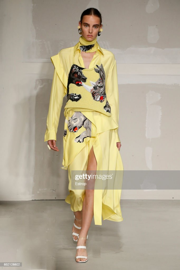 model-walks-the-runway-at-the-krizia-show-during-milan-fashion-week-picture-id852128802