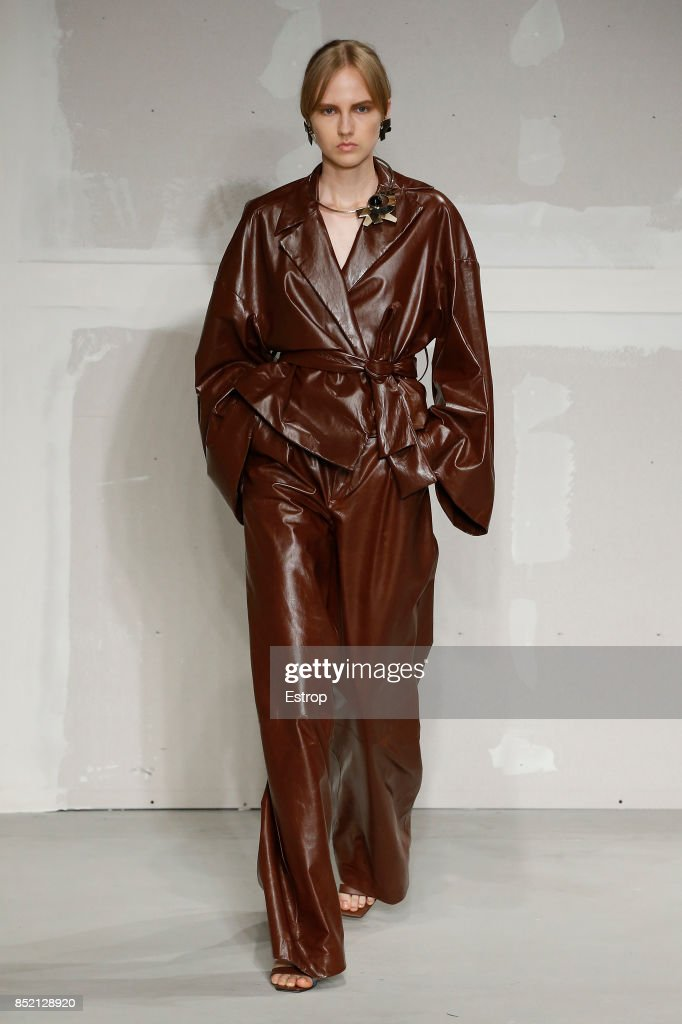 model-walks-the-runway-at-the-krizia-show-during-milan-fashion-week-picture-id852128920