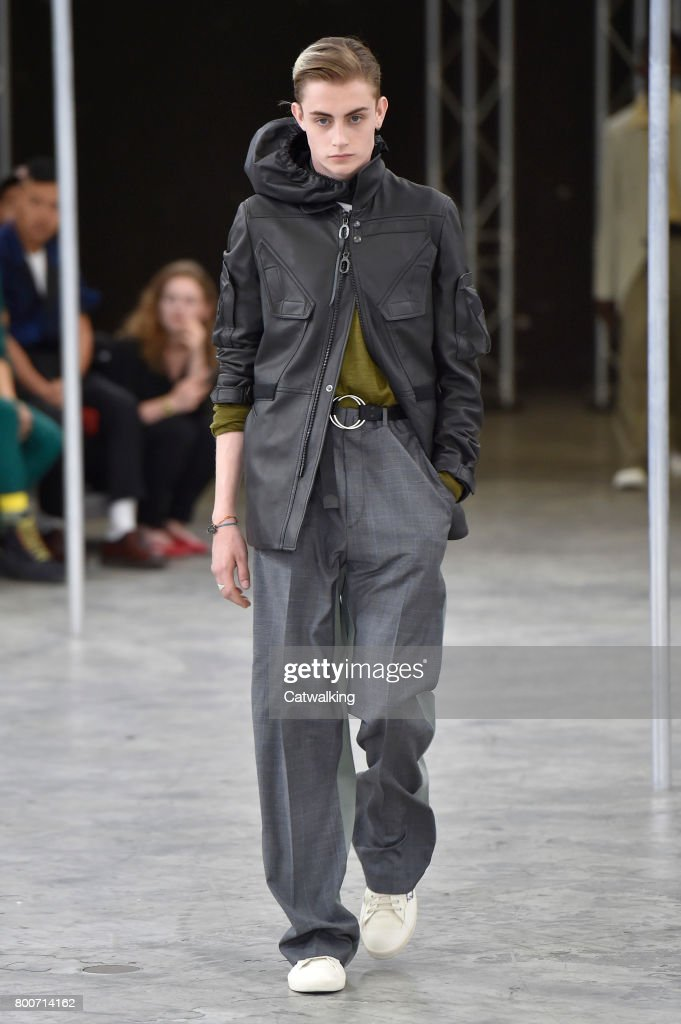 model-walks-the-runway-at-the-lanvin-spring-summer-2018-fashion-show-picture-id800714162