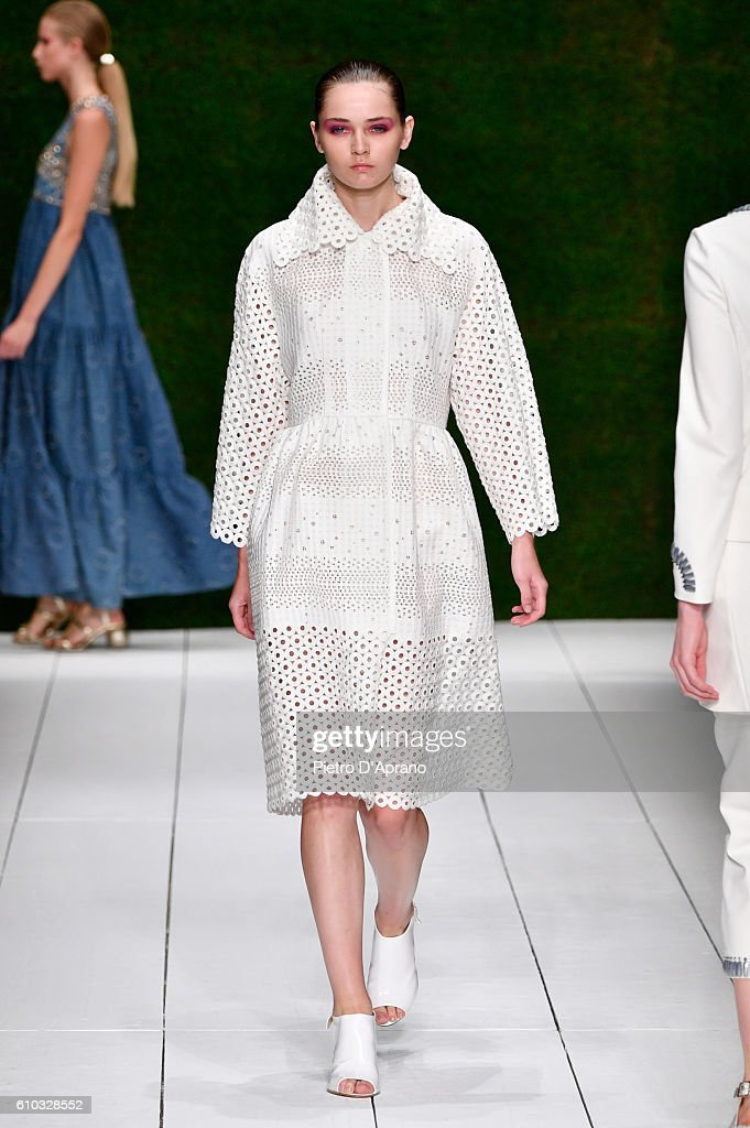 model-walks-the-runway-at-the-laura-biagiotti-show-during-milan-week-picture-id610328552