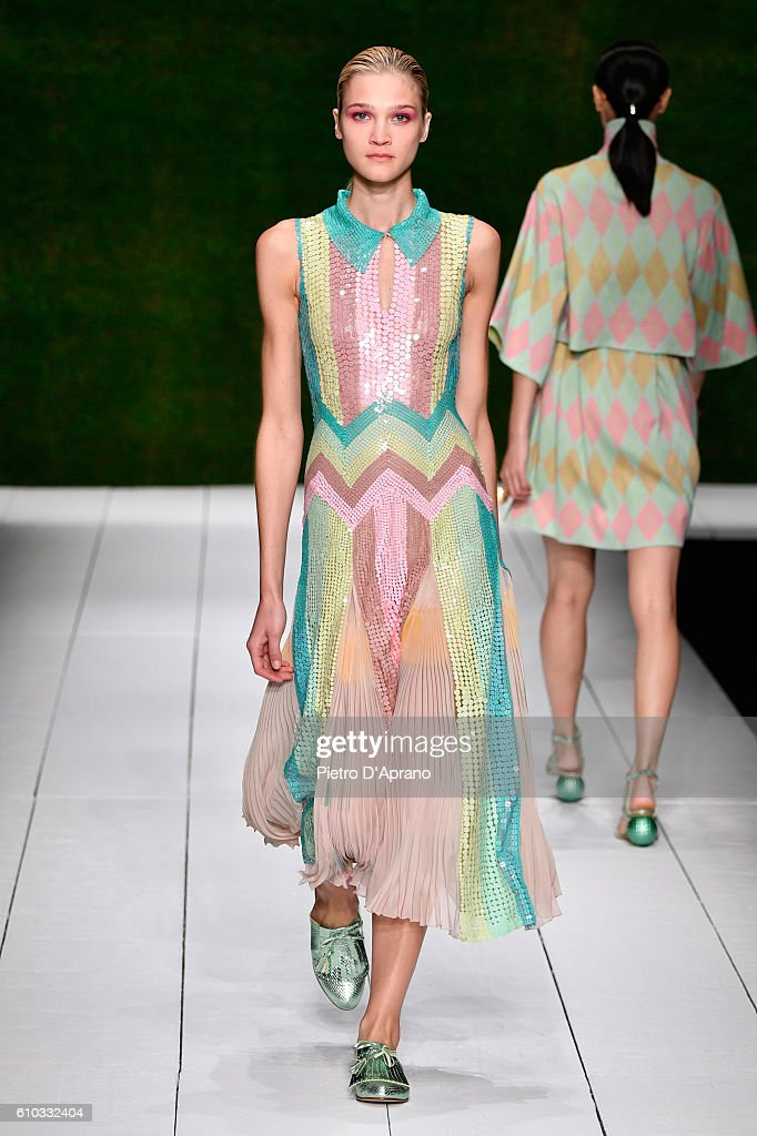 model-walks-the-runway-at-the-laura-biagiotti-show-during-milan-week-picture-id610332404