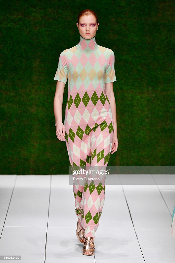 model-walks-the-runway-at-the-laura-biagiotti-show-during-milan-week-picture-id610332420