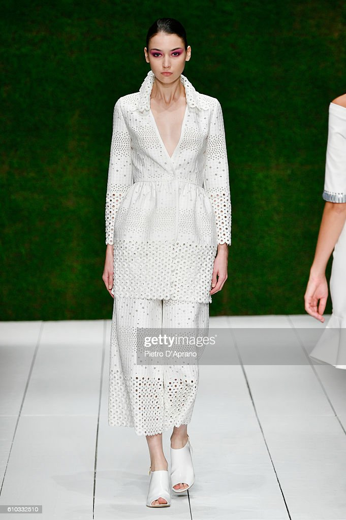 model-walks-the-runway-at-the-laura-biagiotti-show-during-milan-week-picture-id610332510
