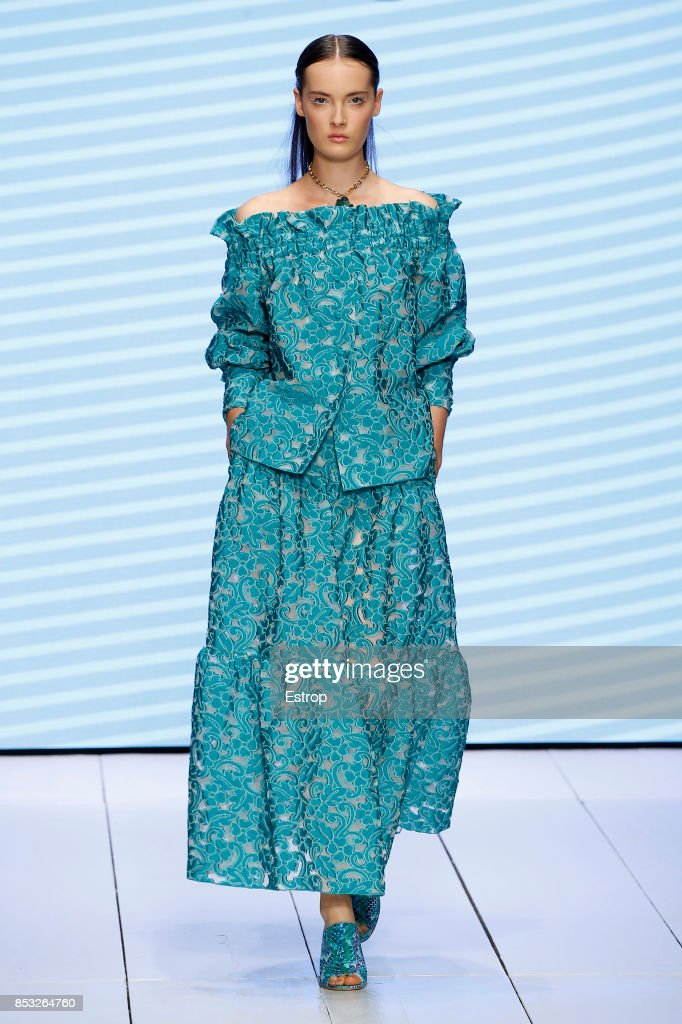 model-walks-the-runway-at-the-laura-biagiotti-show-during-milan-week-picture-id853264760