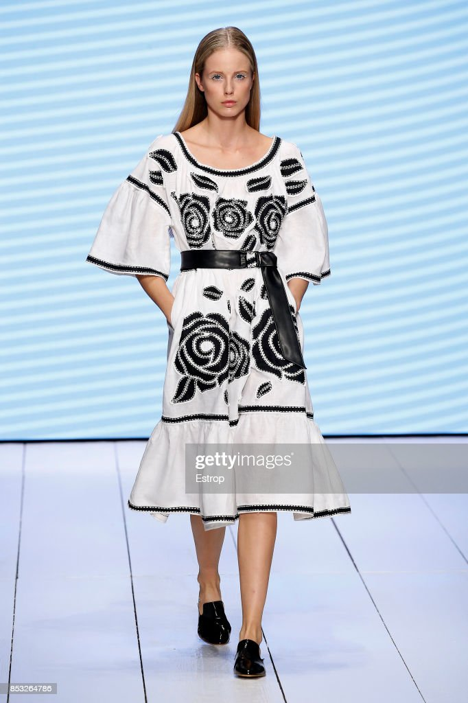 model-walks-the-runway-at-the-laura-biagiotti-show-during-milan-week-picture-id853264786
