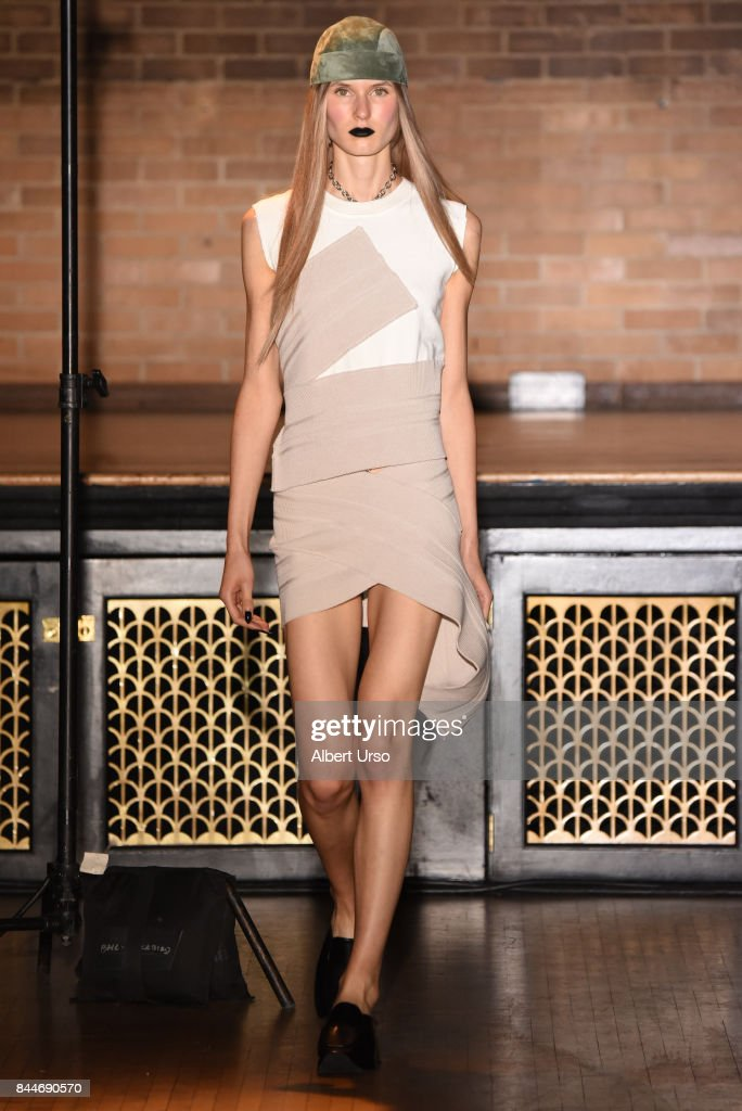 model-walks-the-runway-at-the-linder-fashion-show-during-new-york-picture-id844690570