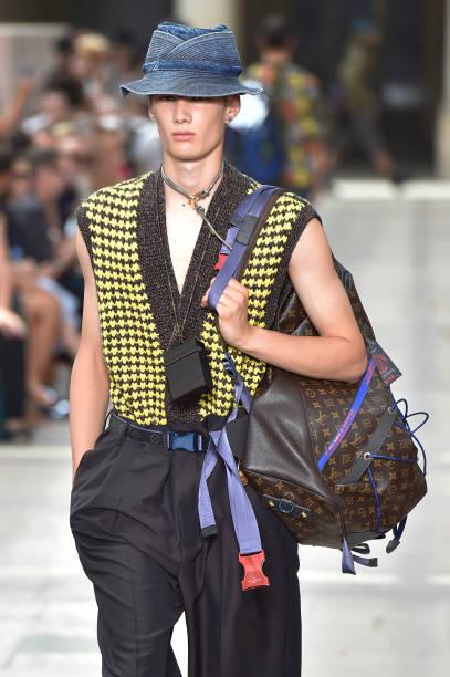 Vetements to Show During Men's Paris Fashion Week forecasting