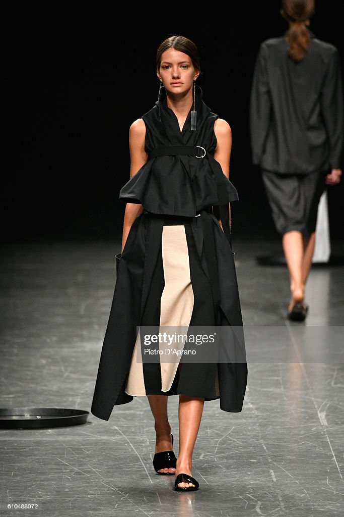 model-walks-the-runway-at-the-lucio-vanotti-show-during-milan-fashion-picture-id610488072