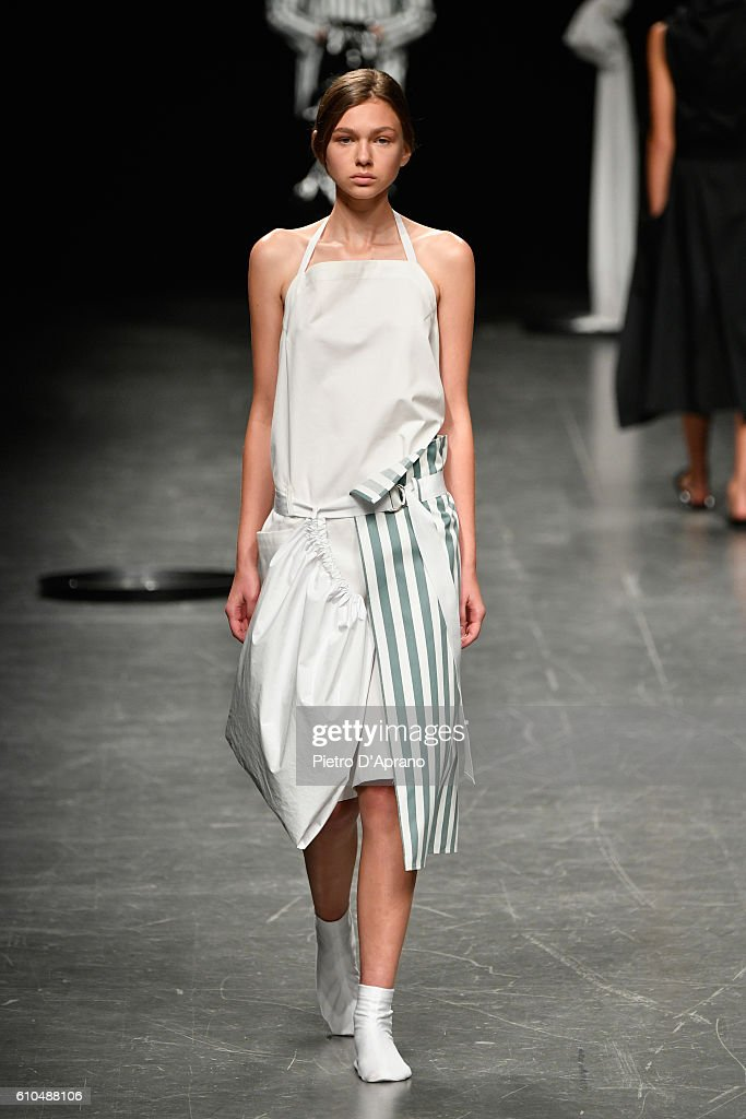 model-walks-the-runway-at-the-lucio-vanotti-show-during-milan-fashion-picture-id610488106