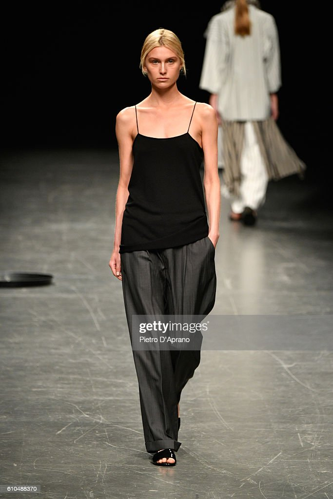 model-walks-the-runway-at-the-lucio-vanotti-show-during-milan-fashion-picture-id610488370