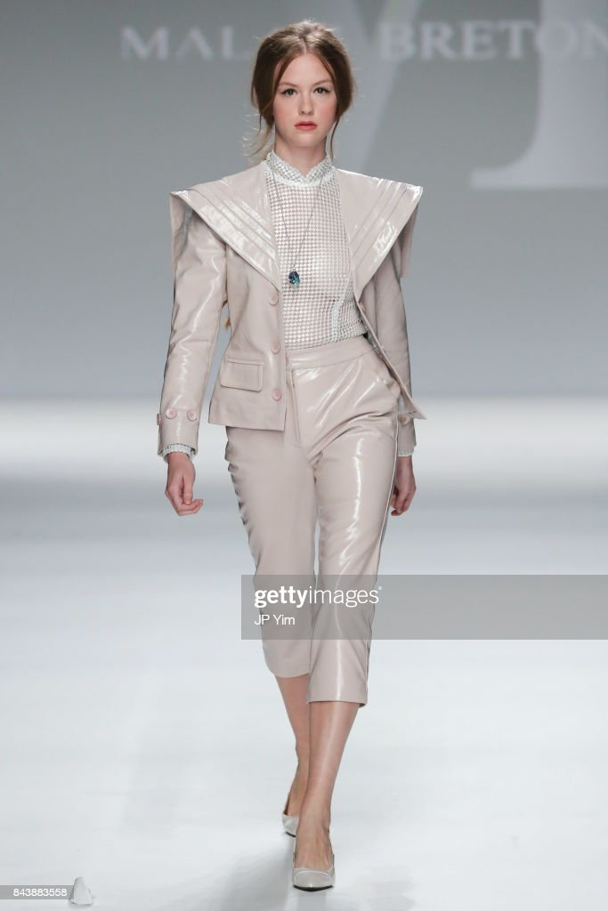 model-walks-the-runway-at-the-malan-breton-ss18-during-new-york-week-picture-id843883558