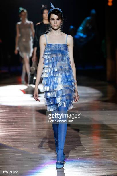 A model walks the runway at the Marc Jacobs Spring 2012 fashion show during MercedesBenz Fashion Week at Skylight Studio on September 15 2011 in New...