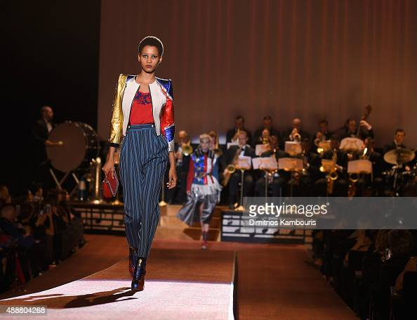 A model walks the runway at the Marc Jacobs Spring 2016 fashion show during New York Fashion Week at Ziegfeld Theater on September 17 2015 in New...