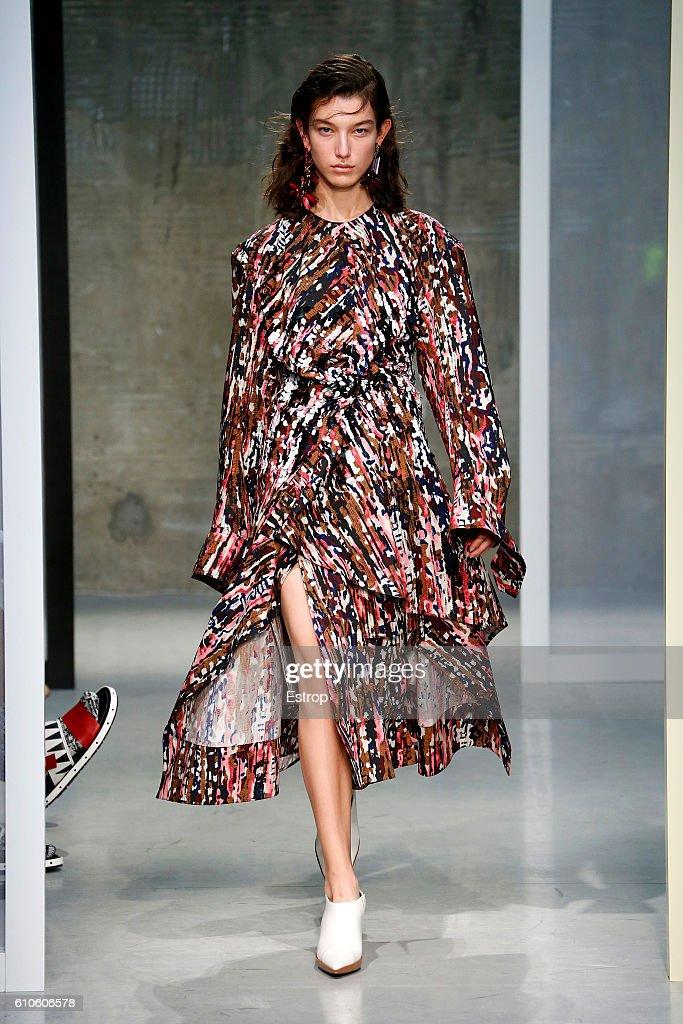 model-walks-the-runway-at-the-marni-designed-by-consuelo-castiglioni-picture-id610606578