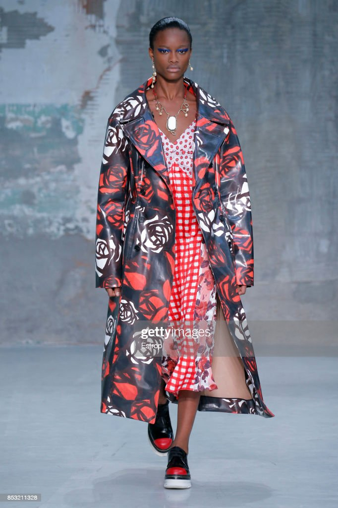 model-walks-the-runway-at-the-marni-show-during-milan-fashion-week-picture-id853211328