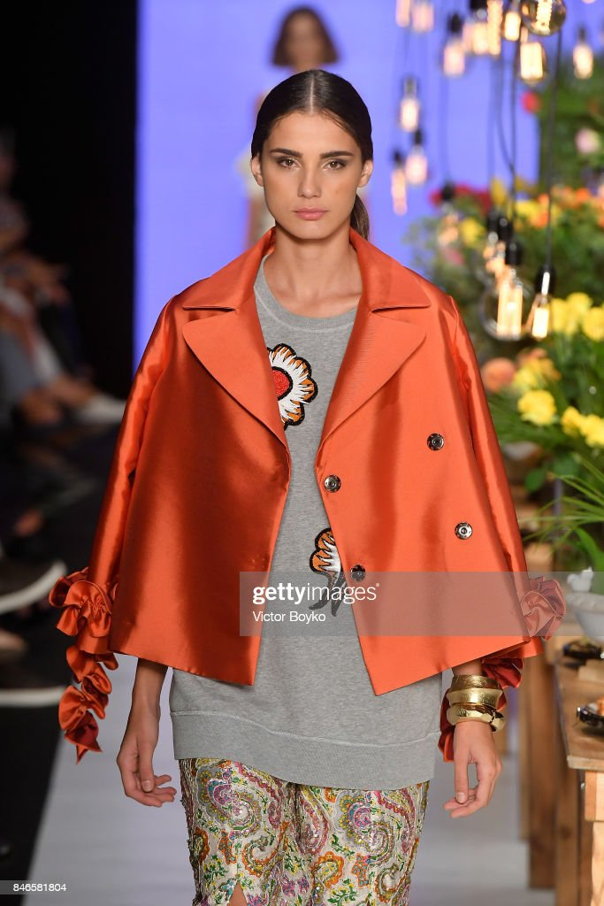 A model walks the runway at the Mehtap Elaidi show during Mercedes-Benz Istanbul Fashion Week September 2017 at Zorlu Center on September 13, 2017 in Istanbul, Turkey.
