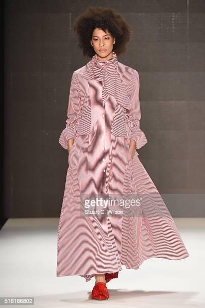 A model walks the runway at the MercedesBenz Celebrates Mehtap Elaidi show during the MercedesBenz Fashion Week Istanbul Autumn/Winter 2016 at Zorlu...