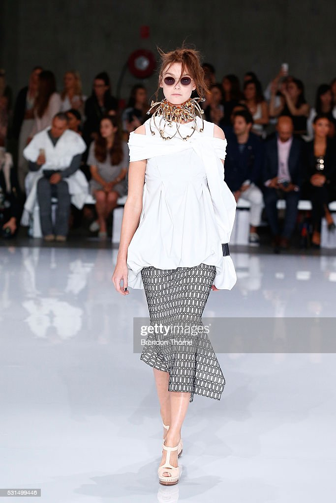 A model walks the runway at the MercedesBenz Presents Maticevski show at MercedesBenz Fashion Week Resort 17 Collections at The Cutaway Barangaroo...