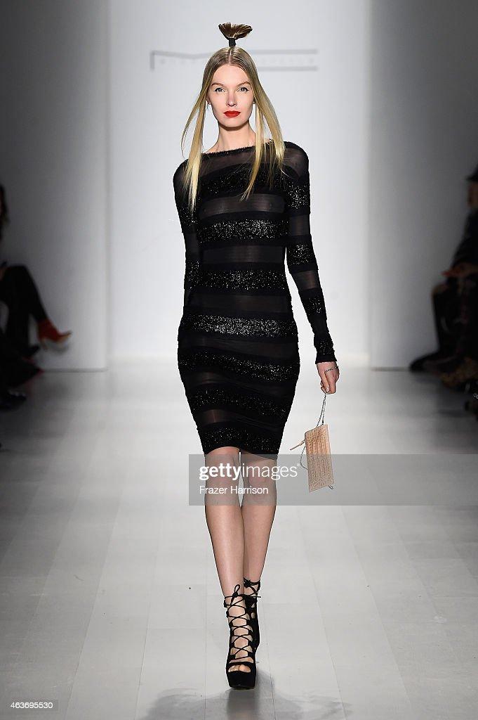 Michael costello runway mercedes benz fashion week for Mercedes benz fashion show