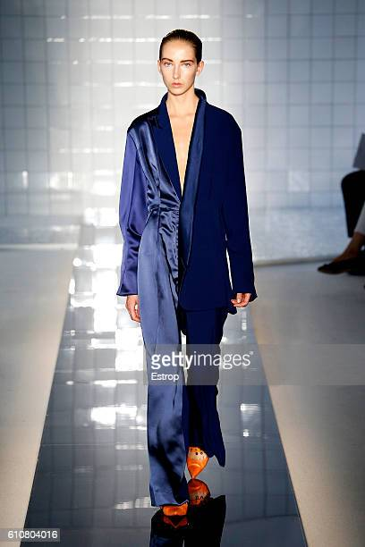 A model walks the runway at the Mila Schon designed by Alessandro de Benedetti show Milan Fashion Week Spring/Summer 2017 on September 26 2016 in...
