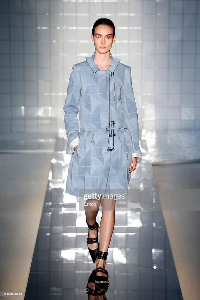 model-walks-the-runway-at-the-mila-schon-designed-by-alessandro-de-picture-id610804044