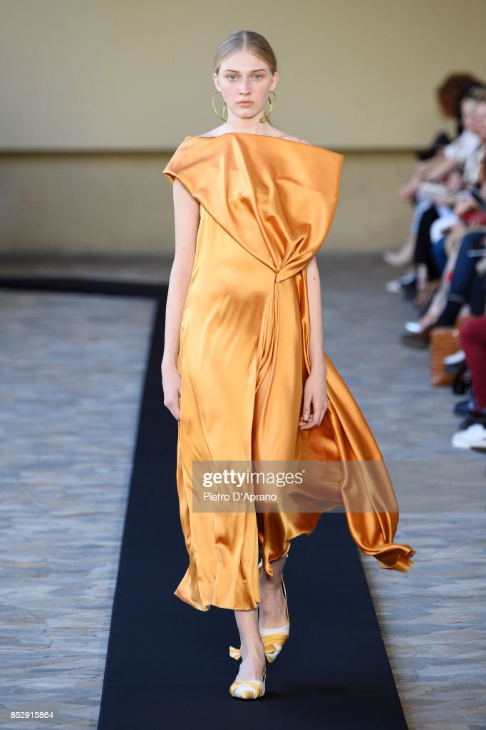 model-walks-the-runway-at-the-mila-schon-show-during-milan-fashion-picture-id852915864
