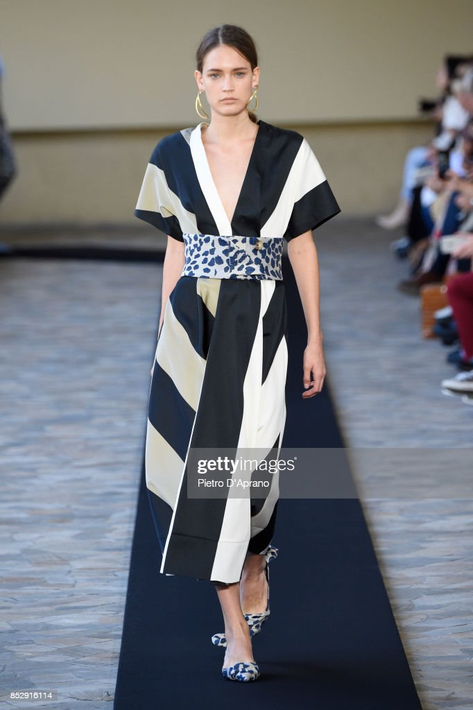 model-walks-the-runway-at-the-mila-schon-show-during-milan-fashion-picture-id852916114