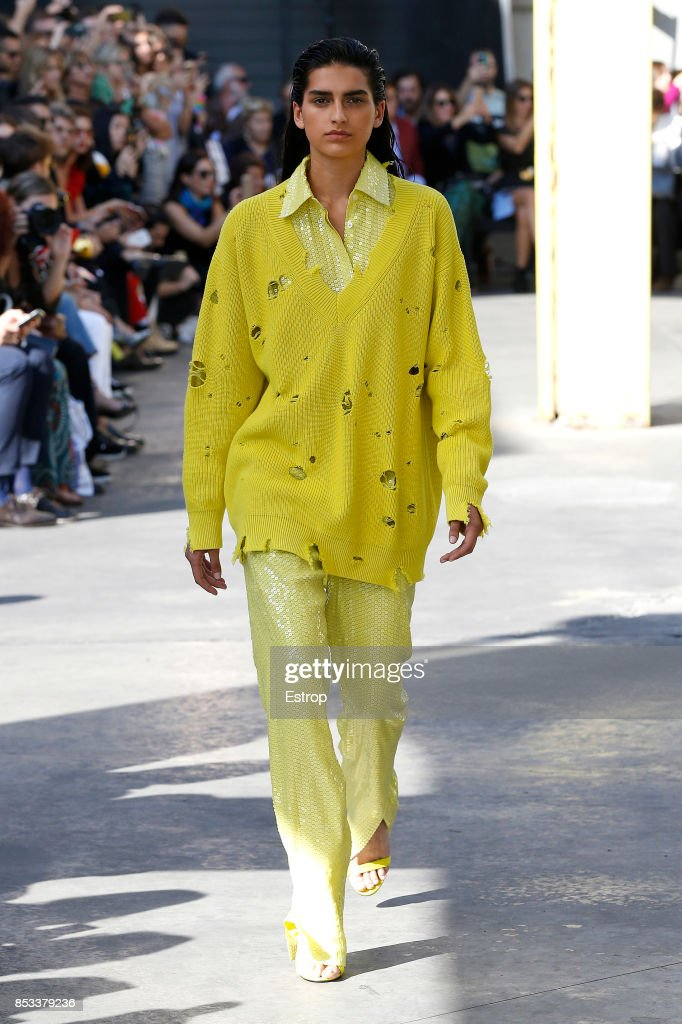 model-walks-the-runway-at-the-msgm-show-during-milan-fashion-week-picture-id853379236