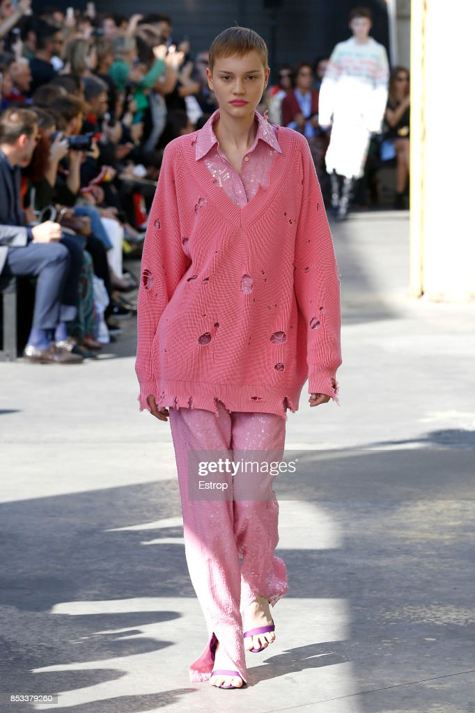 model-walks-the-runway-at-the-msgm-show-during-milan-fashion-week-picture-id853379260