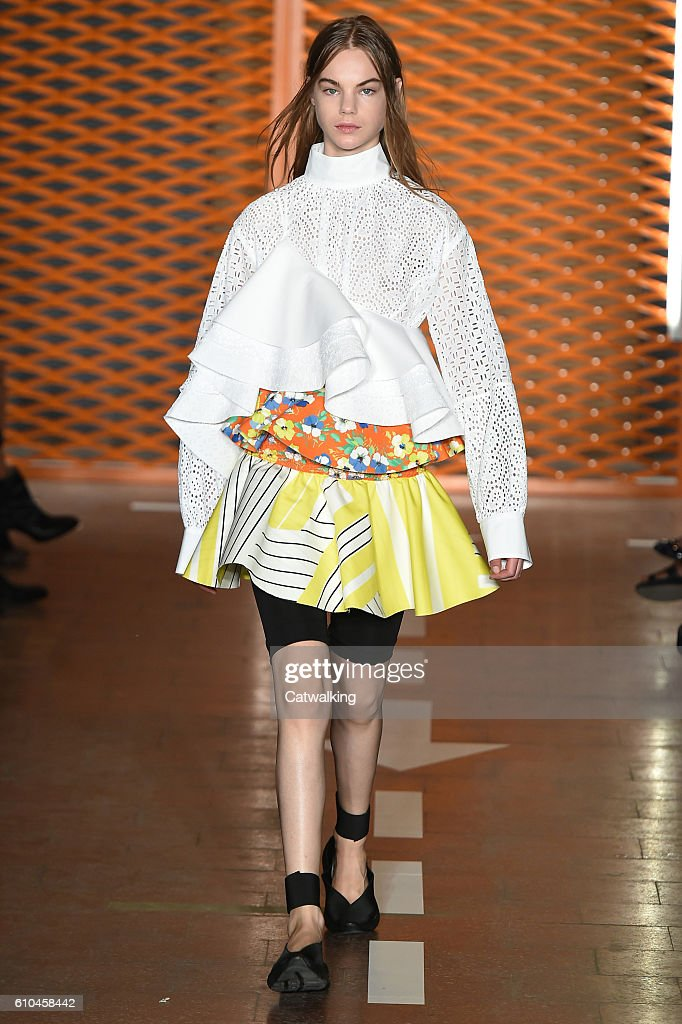 model-walks-the-runway-at-the-msgm-spring-summer-2017-fashion-show-picture-id610458442