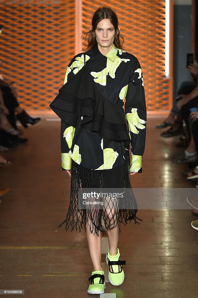 model-walks-the-runway-at-the-msgm-spring-summer-2017-fashion-show-picture-id610458528