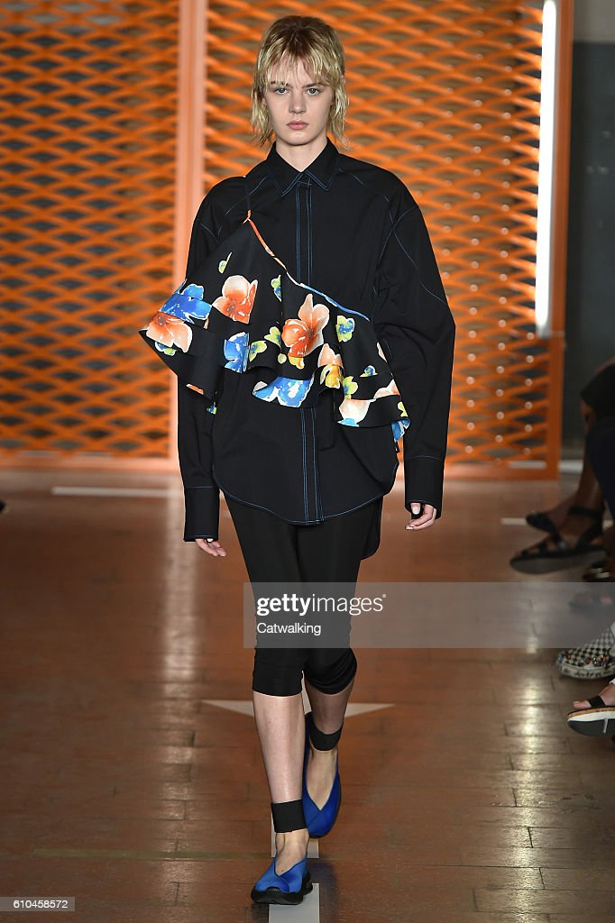model-walks-the-runway-at-the-msgm-spring-summer-2017-fashion-show-picture-id610458572