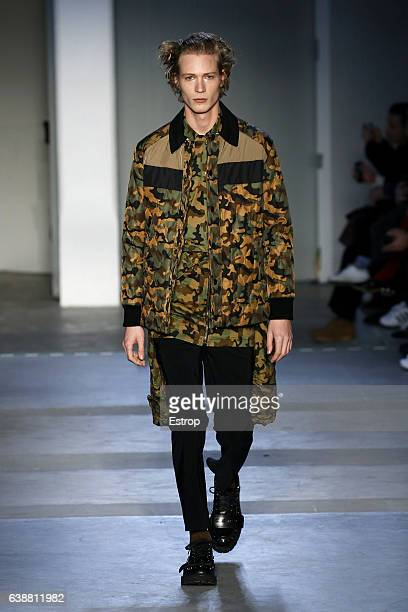 A model walks the runway at the N21 designed by Alessandro dell'Acqua show during Milan Men's Fashion Week Fall/Winter 2017/18 on January 16 2017 in...