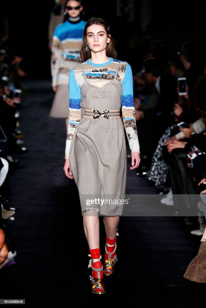model-walks-the-runway-at-the-n21-designed-by-alessandro-dellacqua-picture-id644098948