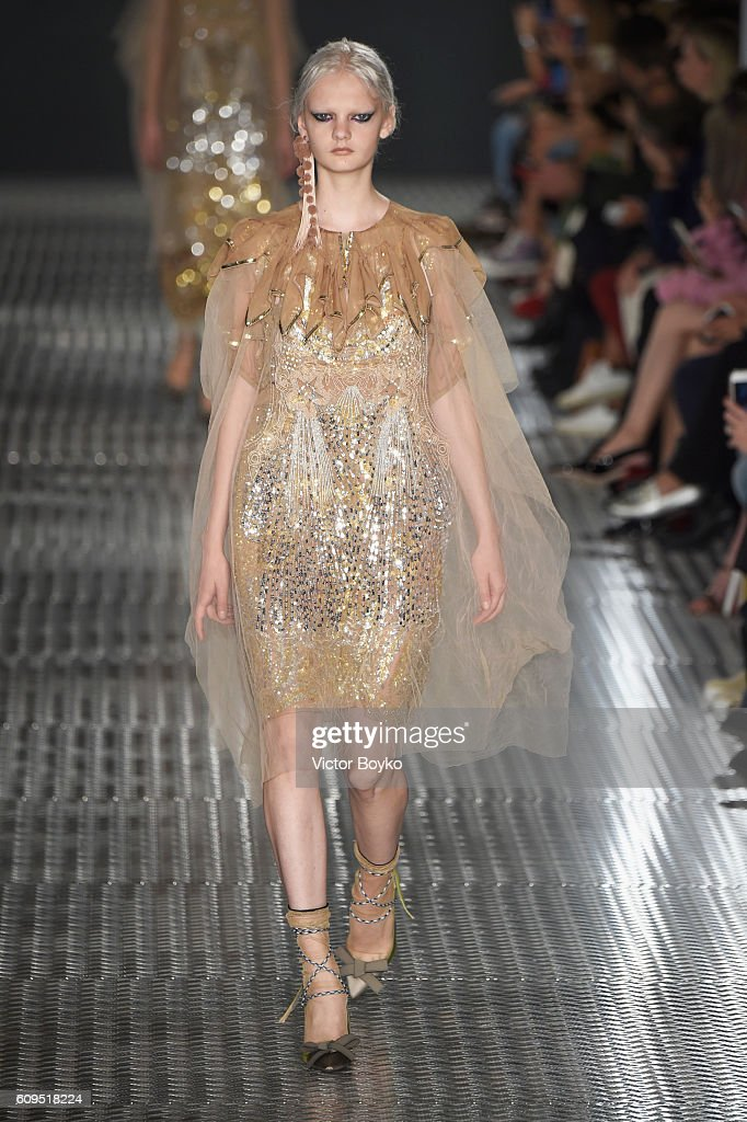 model-walks-the-runway-at-the-n21-show-during-milan-fashion-week-on-picture-id609518224