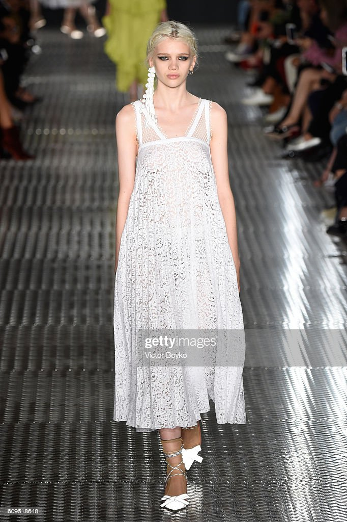 model-walks-the-runway-at-the-n21-show-during-milan-fashion-week-on-picture-id609518648
