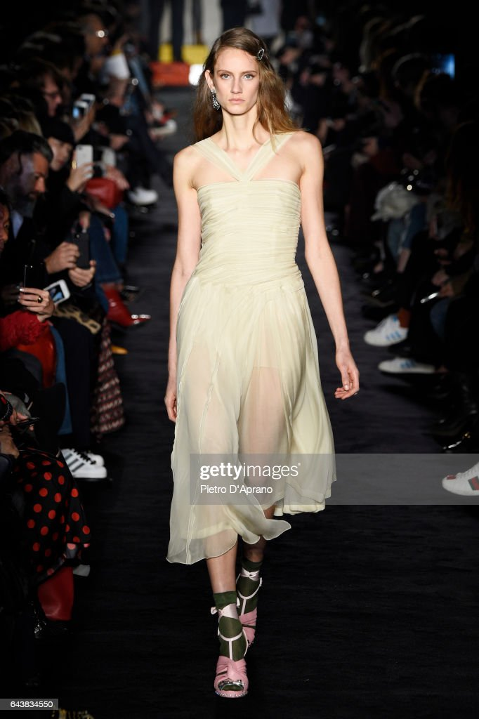model-walks-the-runway-at-the-n21-show-during-milan-fashion-week-on-picture-id643834550