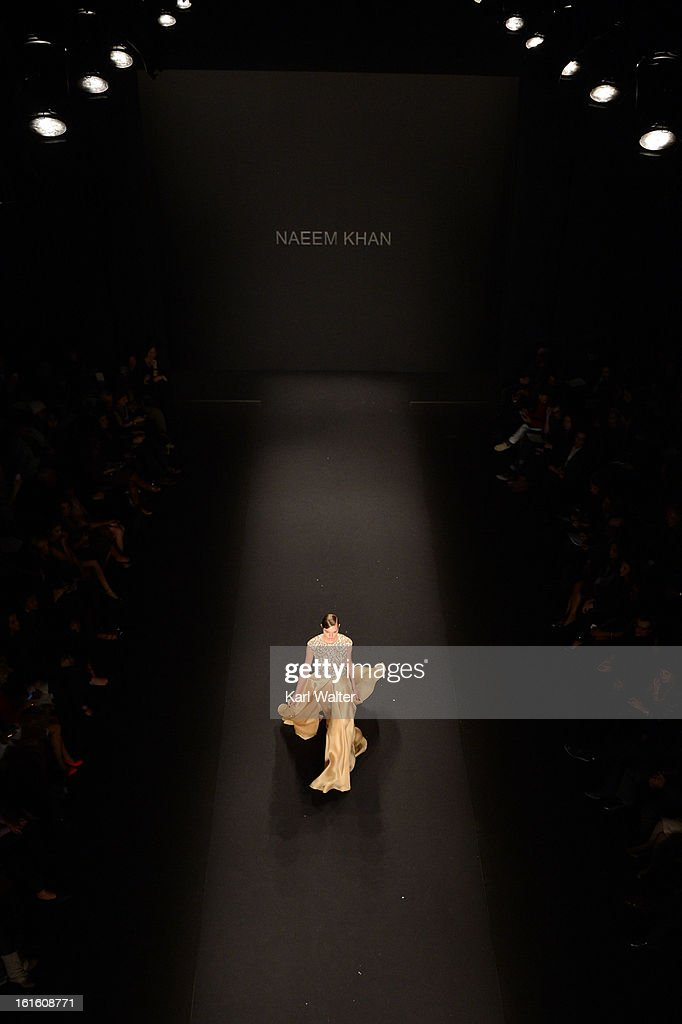 A model walks the runway at the Naeem Khan Fall 2013 fashion show during Fall 2013 Mercedes-Benz Fashion Week at Lincoln Center for the Performing Arts on February 12, 2013 in New York City.